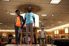 Современный магазин розничной торговли моды стоковая фотография rf