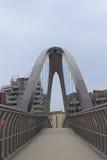 Современный мост над шоссе в милане, Италии Другие здания стоковые изображения