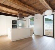 Современный дом, кухня стоковые изображения rf