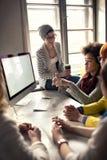 Современный офис дизайнеров с работниками стоковая фотография