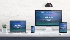 Современный плоский дизайн, отзывчивый вебсайт на множественных приборах бесплатная иллюстрация
