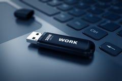 Современный привод вспышки USB на клавиатуре компьтер-книжки иллюстрация вектора
