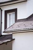 Современный пригородный дом Стоковые Фотографии RF