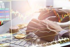 Современный путь обмена Bitcoin удобная оплата в рынке международной экономики Виртуальные цифровые валюта и финансовые инвестици стоковое изображение
