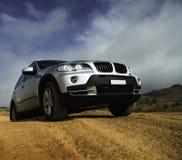 Современный серебр SUV стоковые фотографии rf
