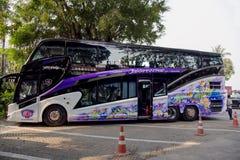 Современный удобный 2-storeyed туристический автобус Стоковые Фото