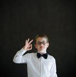 Совсем о'кеы или одобренный мальчик одевал как бизнесмен Стоковое Изображение RF