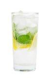 Сода клуба с лимоном и мятой на белизне Стоковые Изображения