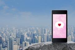 Соединение датировка дела онлайн, концепция дня Святого Валентина стоковые изображения rf