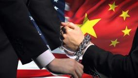 Соединенные Штаты санкционируют Китай, прикованный конфликт оружий, политических или экономических видеоматериал