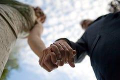 соедините держать рук Стоковые Фото