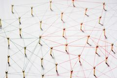 Соединять реальности Сеть, сеть, социальные средства массовой информации, конспект связи интернета Небольшая сеть подключенная с  стоковая фотография