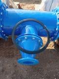 соединение трубы водопровода питья 500mm с членом уменьшения к блоку 150 mm винтами и гайками Стоковые Изображения