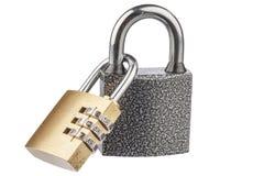 2 соединенных padlocks с отражениями Стоковое Фото