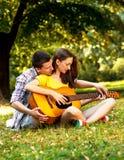 соедините детенышей влюбленности Стоковая Фотография RF
