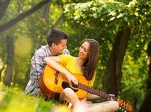 соедините детенышей влюбленности Стоковое фото RF