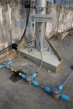 Соедините шнур питания в землю телефона поляка стоковая фотография rf
