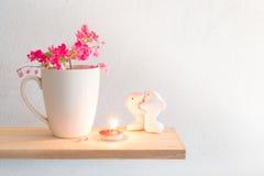 Соедините любовников дельфина и кофе кружки и Antigonon le Стоковые Фотографии RF