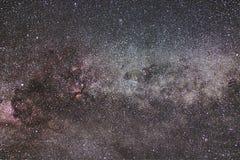 Созвездие млечного пути и Cygnus Северный крест ноча звёздная Стоковые Фотографии RF
