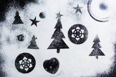 Создавать изображение снега и рождественских елок Стоковые Фото
