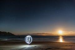 Создавать светлый шар в лунном свете Стоковые Изображения RF