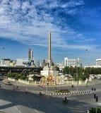 созданные штатскии человек храбрости умерли воины Таиланд полиций памятника Франции спора к победе которые поклоняются Стоковое Изображение RF