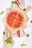 Сок арбуза, куски арбуза и листья мяты Десерт Fl Стоковые Фото