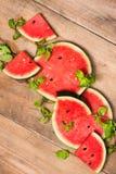 Сок арбуза, куски арбуза и листья мяты Десерт Fl Стоковое Фото