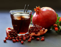 Сок гранатового дерева, плодоовощ, семена, ветви Стоковые Фото