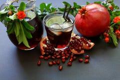 Сок гранатового дерева, плодоовощ, семена, ветви Стоковое Изображение RF