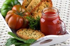 Сок и хлеб томата Стоковое Фото
