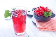 Сок красной смородины стоковое фото