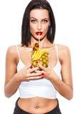 Сок сексуальной женщины выпивая от ананаса Стоковое фото RF
