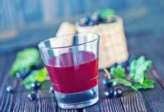 сок черной смородины стоковое фото