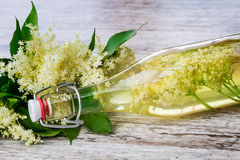 Сок Elderflower, шампанское elderflower стоковые фото