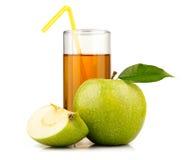 сок fruitsisolated яблоком стеклянный зеленый Стоковое Изображение RF