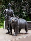 Солдат и плюшевый медвежонок Wojtek от Эдинбурга стоковое фото