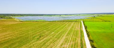 Солнечная антенна фермы в Остине, Техасе, США Стоковые Фотографии RF