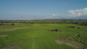 Солнечная ферма с ветрянками Филиппины, Лусон Стоковые Фотографии RF
