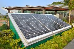Солнечная электрическая система стоковая фотография