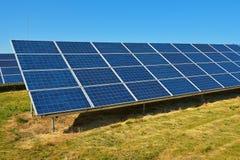Солнечные коллекторы для электричества Стоковое Изображение RF
