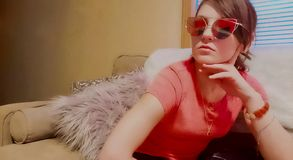 Солнечные очки глаза кота стоковые изображения rf