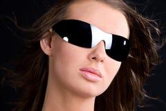 солнечные очки портрета очарования девушки Стоковые Изображения RF