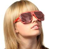 солнечные очки jalousie девушки стильные стоковое фото