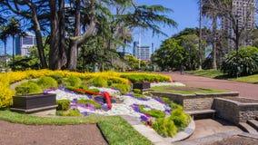 Солнечные часы в парке Окленда стоковое фото rf