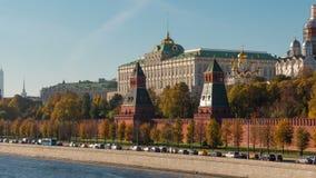 Солнечный залив Кремль Timelaps реки Москвы летнего дня акции видеоматериалы