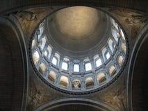 Солнечный и открытый купол внутри ur Sacré-CÅ «, Париж стоковое изображение rf