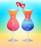 Солнечный коктеил для любовников на пляже. бесплатная иллюстрация
