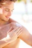 солнцезащитный крем Стоковые Фотографии RF