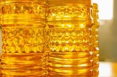 солнцецвет масла падения стилизованный Линия фабрики продукции и заполнять очищенной нефти от семян подсолнуха Транспортер фабрик Стоковое фото RF
